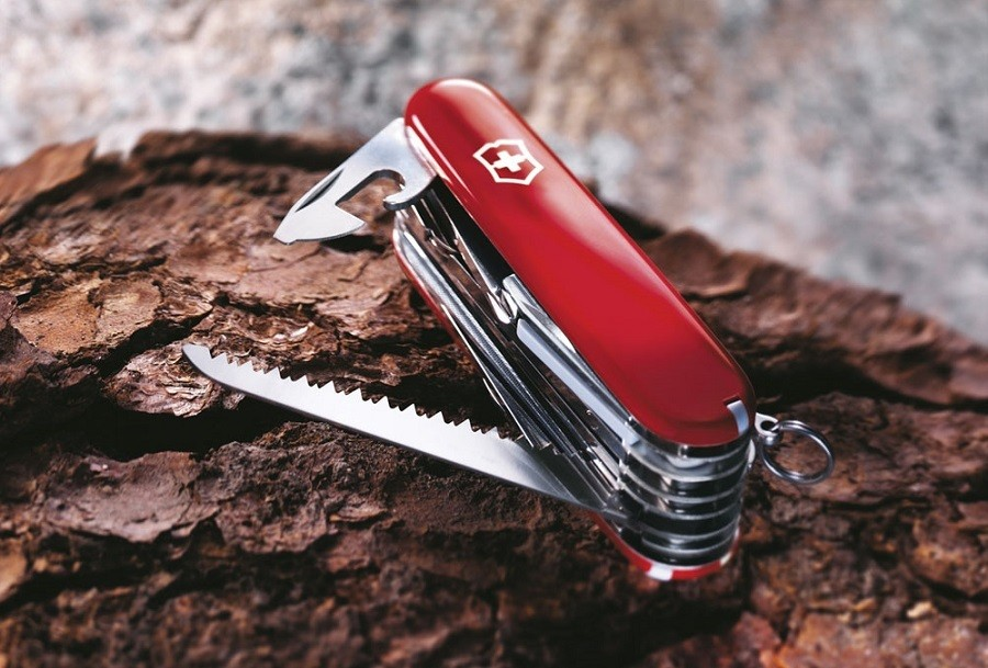 Victorinox Swiss Army SwissChamp Pocket Knife Review